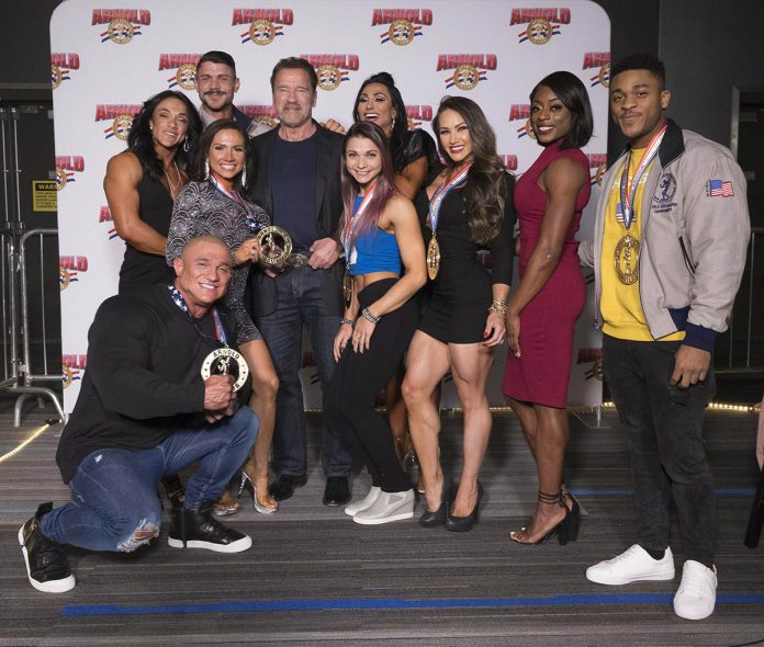 Arnold Amateur group photo with Arnold 2 photo by Rob Hardin